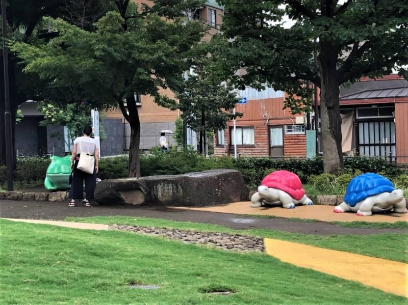 練馬区立 美術の森緑地で遊ぶ親子