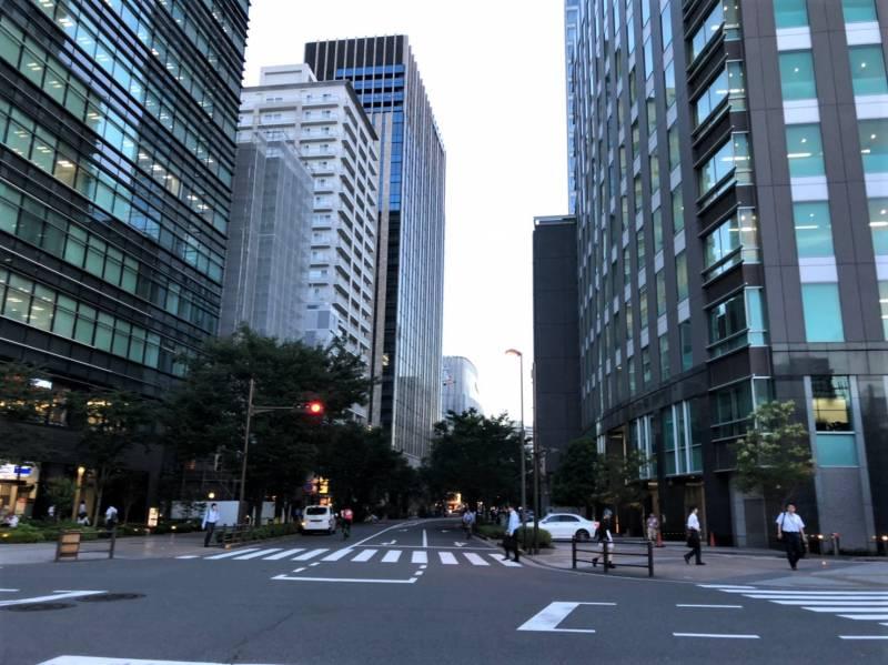 台東区秋葉原2丁目の高層ビル