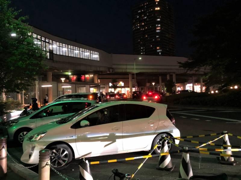 武蔵浦和駅前の夜の様子