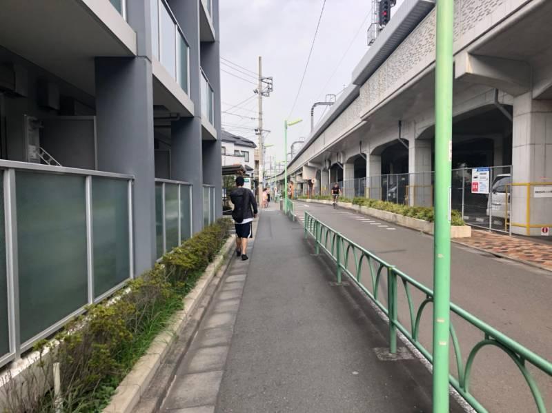 小田急線横の住宅