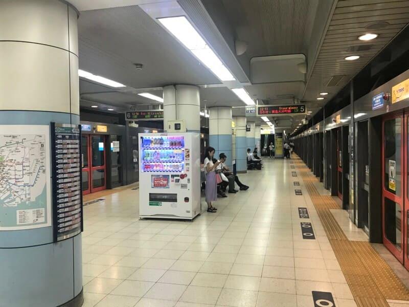 東京メトロ南北線飯田橋駅ホーム2