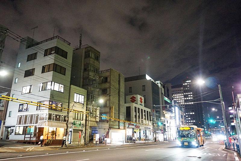 四ツ目通りの夜の風景