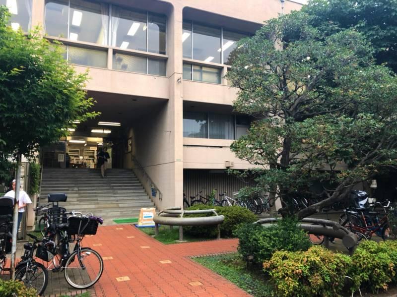 梅丘図書館