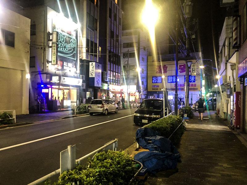 夜のマルイ錦糸町の裏通り