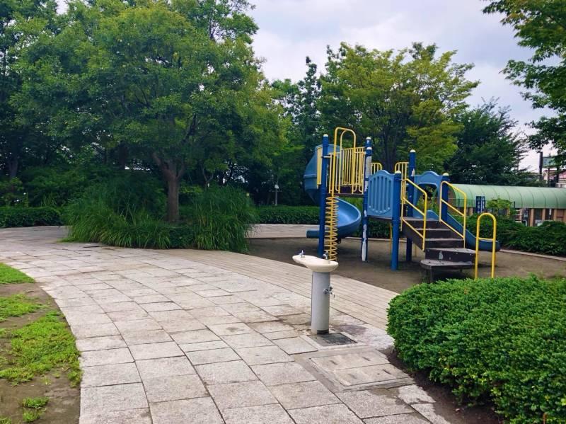 あらやしき公園の遊具