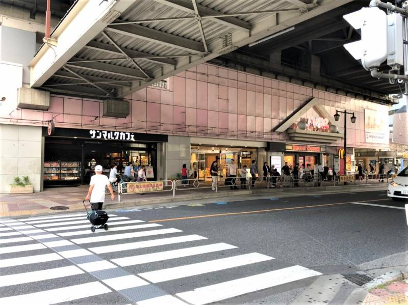 武蔵浦和駅の高架下のテナント