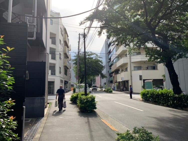 大塚駅南口から徒歩5分ほどの街並み