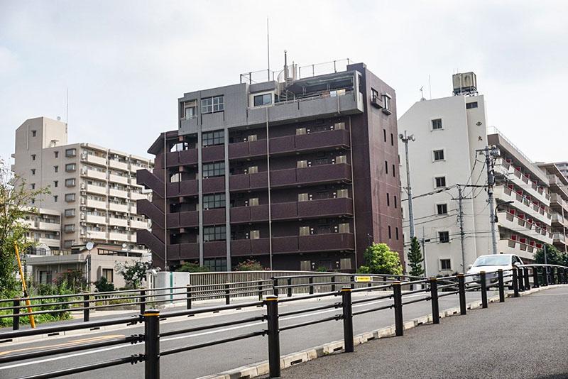 菊柳橋からみたマンション群