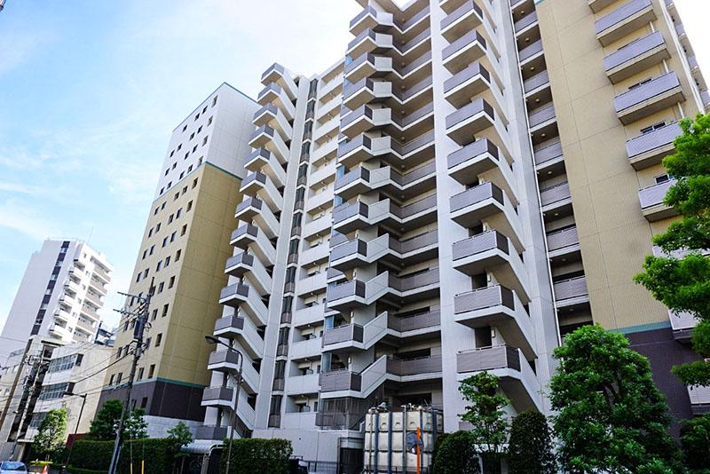 首都高横のマンション