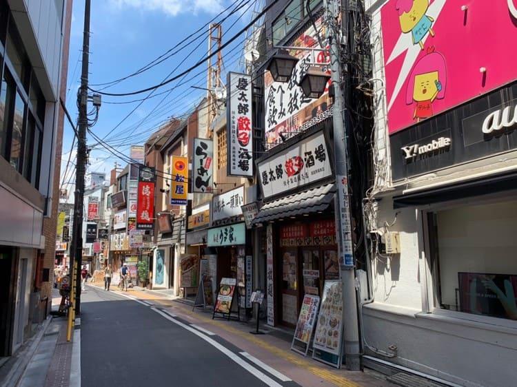 昼のさかえ通りの風景