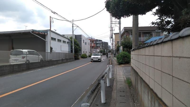 みずほ台の狭い歩道