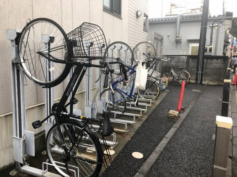 特徴的な自転車置き場
