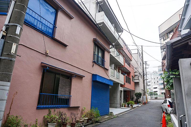 路地裏の住宅