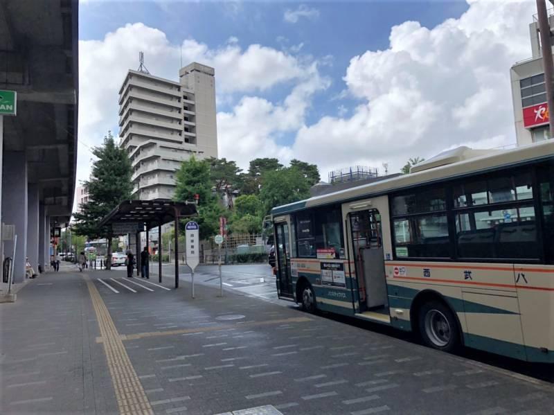 練馬高野台駅北口前のバスロータリー