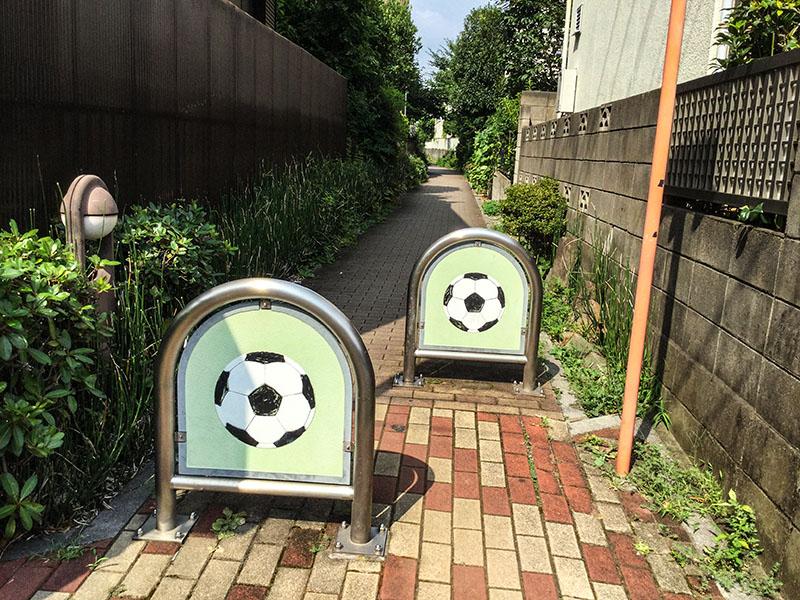 サッカーデザインのポール