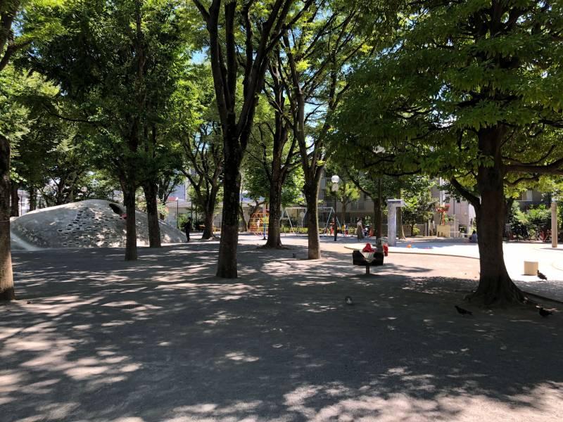 新宿区立白銀公園