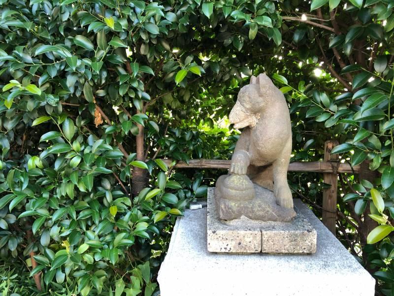 葵神社・赤城出世稲荷神社・八耳神社の狛犬