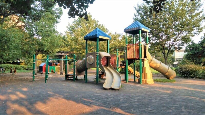 駐屯地裏の公園