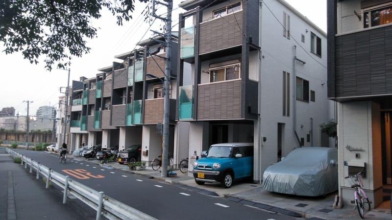 東京家政大学前の住宅街