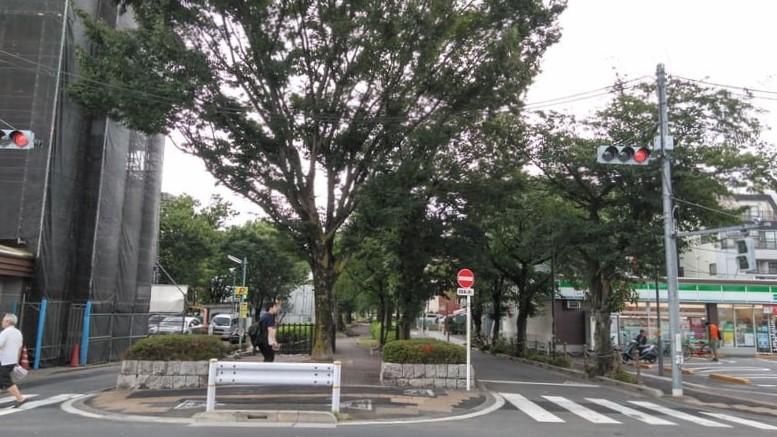 前谷津川緑道<br />