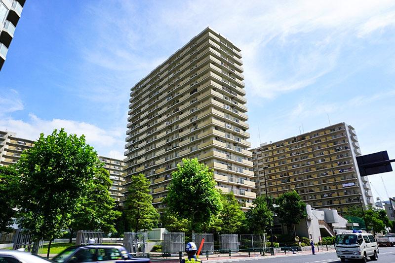 清洲橋通りの大型マンション