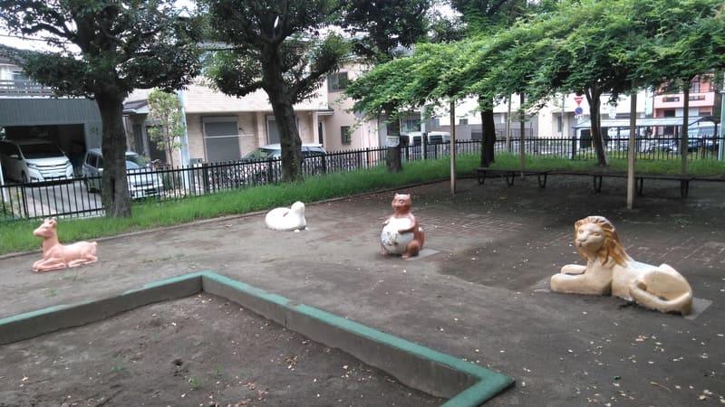 ライオン公園のライオンたち