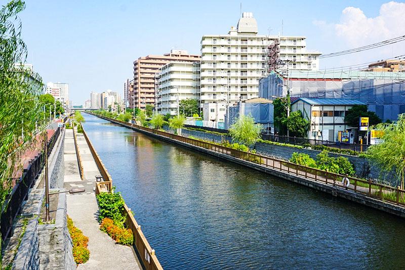 進開橋から見た小名木川