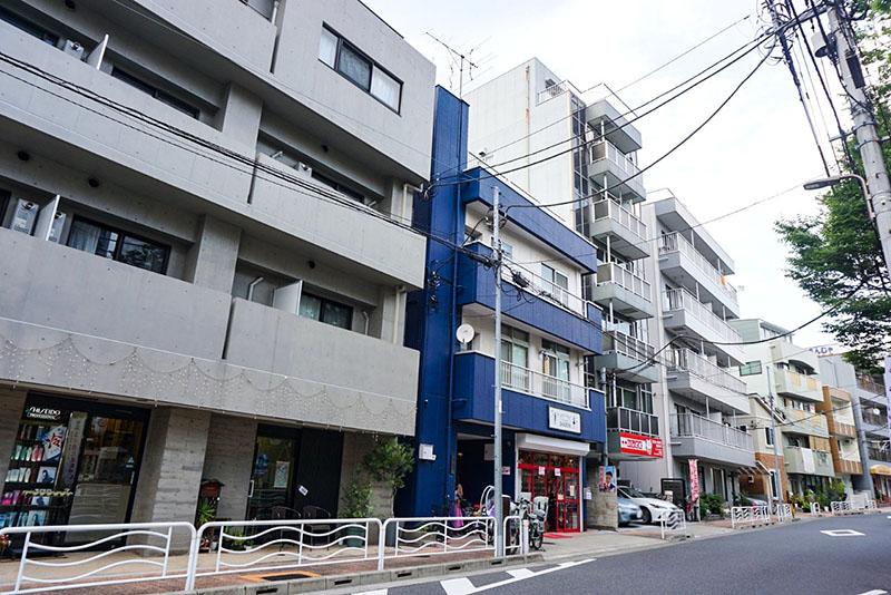 神社前の住宅