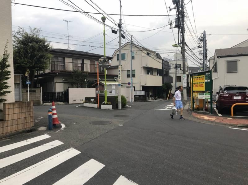 東松原駅へ繋がる道