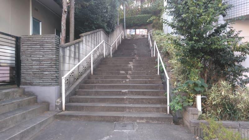 赤羽駅西側 住宅街の階段