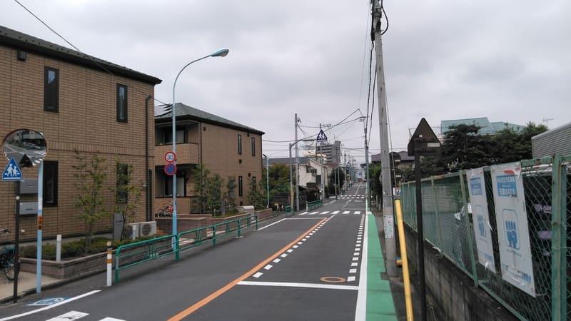 井荻駅北側 八丁通り