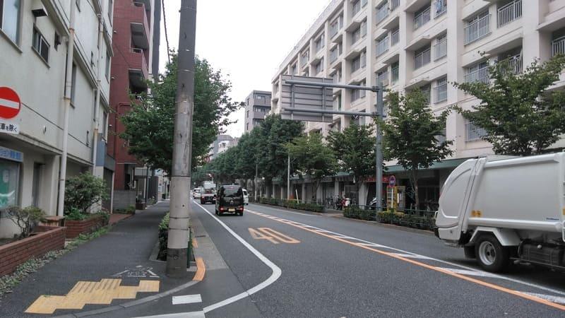 野方駅北側 新青梅街道