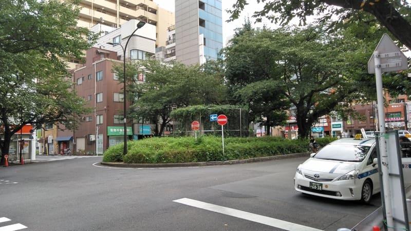 駒込駅前のロータリー