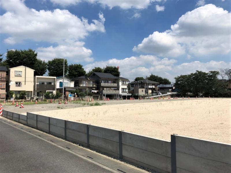 南与野駅東側の広い空き地