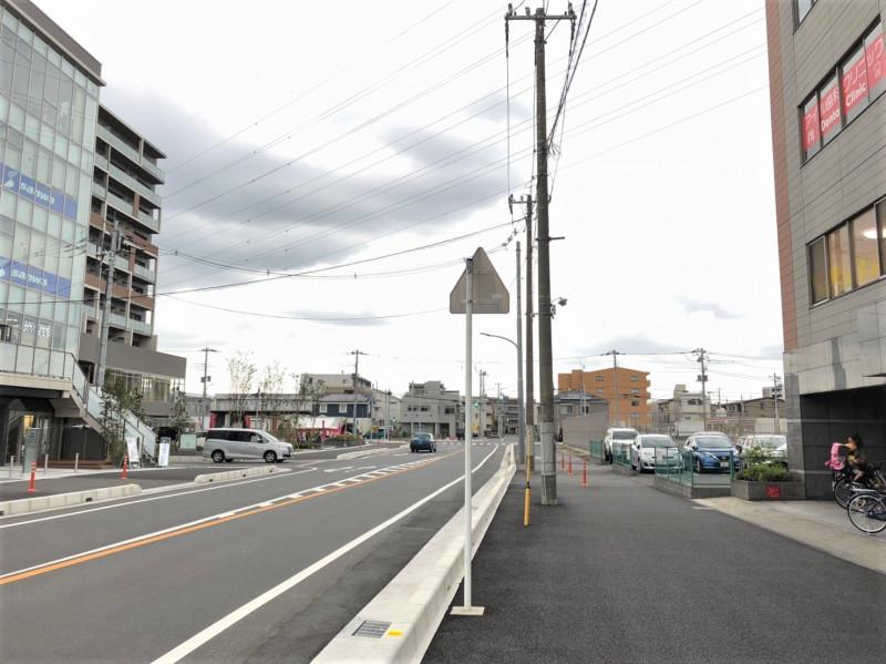 北戸田駅東口前の歩道