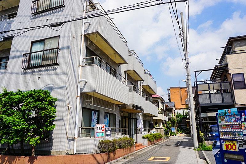 綾瀬川通りから1本西の住宅