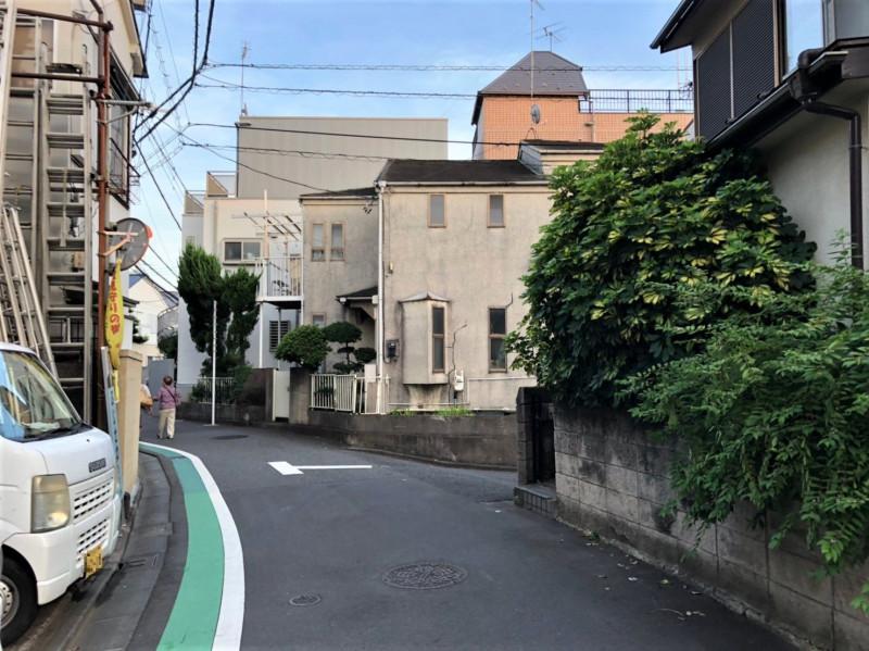 富士見坂を下ったあたりの住宅街