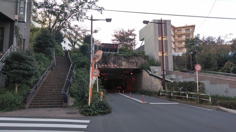 赤羽並木通り トンネル