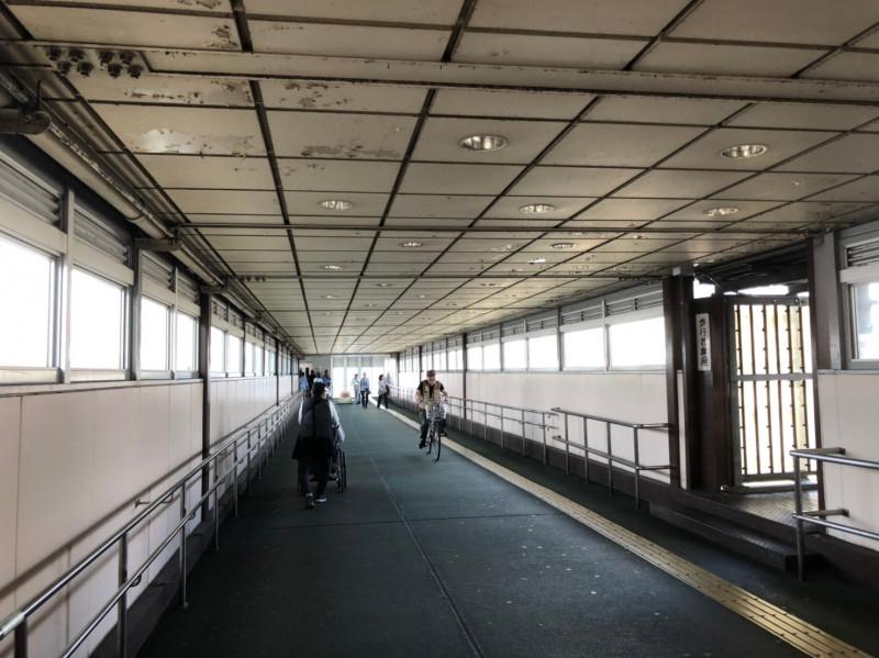 東十条駅の連絡通路