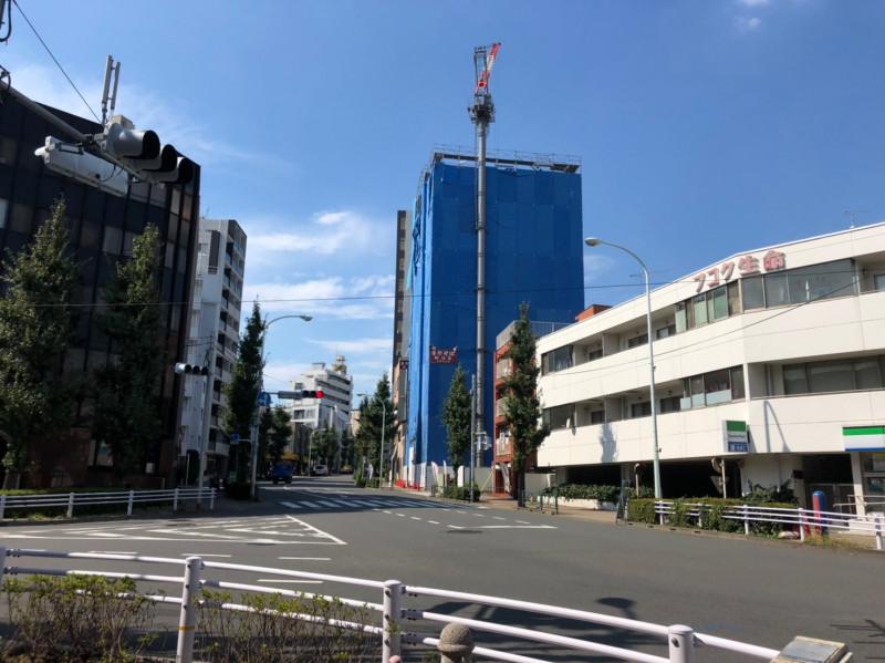 王子新道と旧岩槻街道の交差点