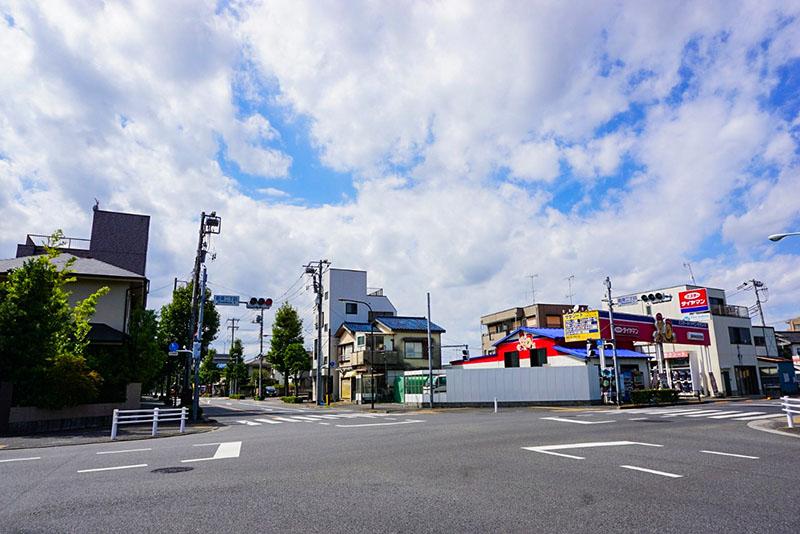 鹿骨街道の交差点