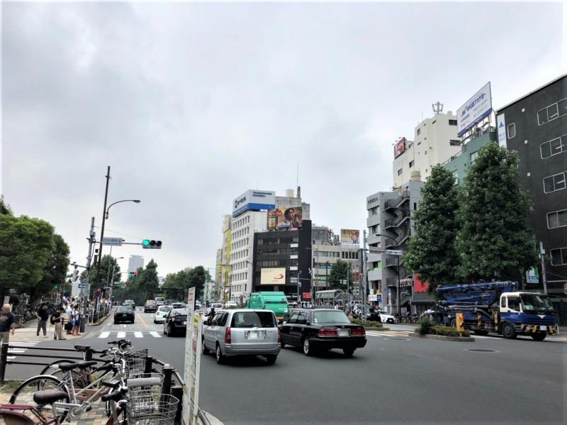 四ツ谷駅周辺の大通り