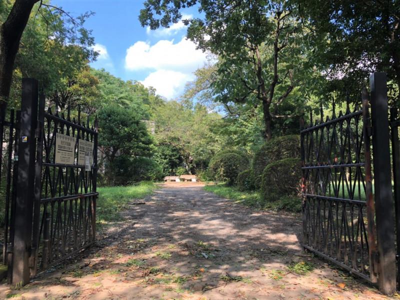 旧渋沢庭園の門