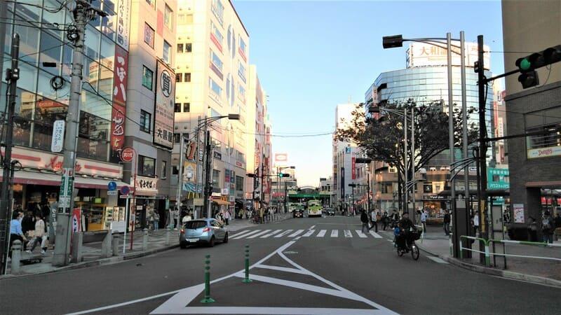 赤羽駅東側 高架下付近
