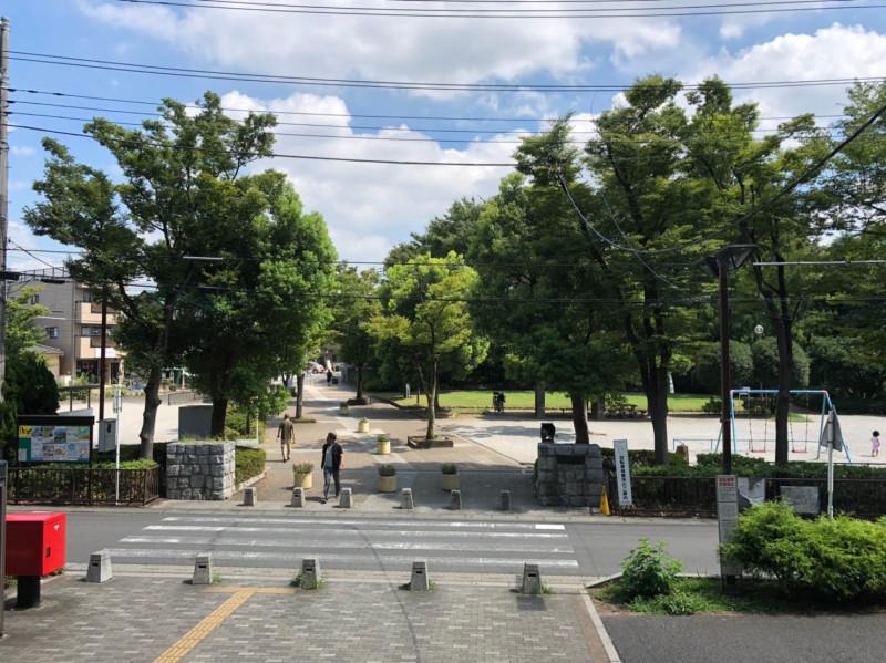 南与野駅東口前の様子