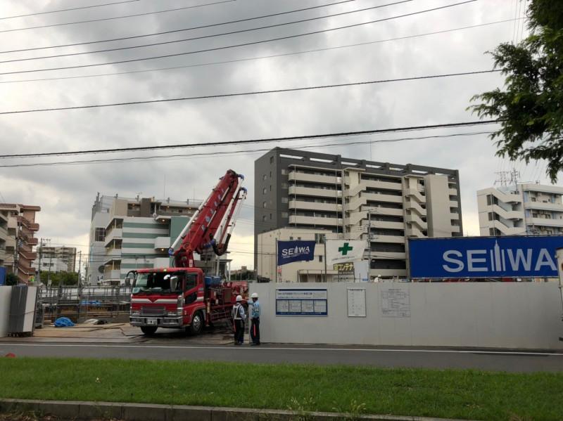 北戸田駅西口前の工事現場