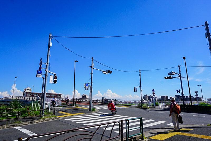 中川と江北橋通りの交差点
