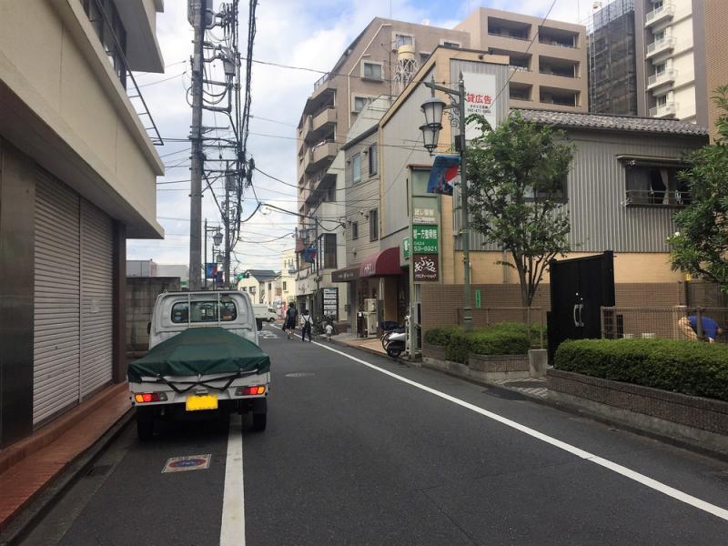 東本町の道路⓵