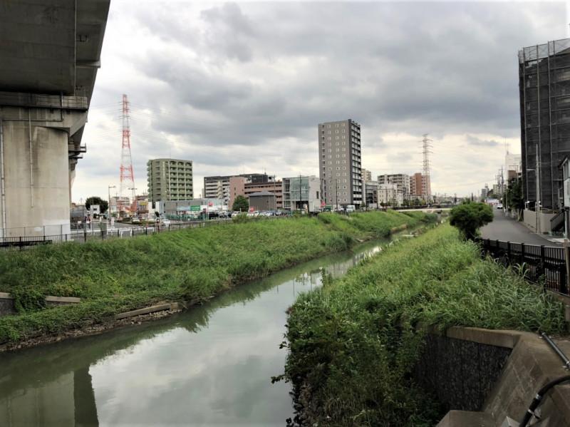 北戸田駅西側の笹目川