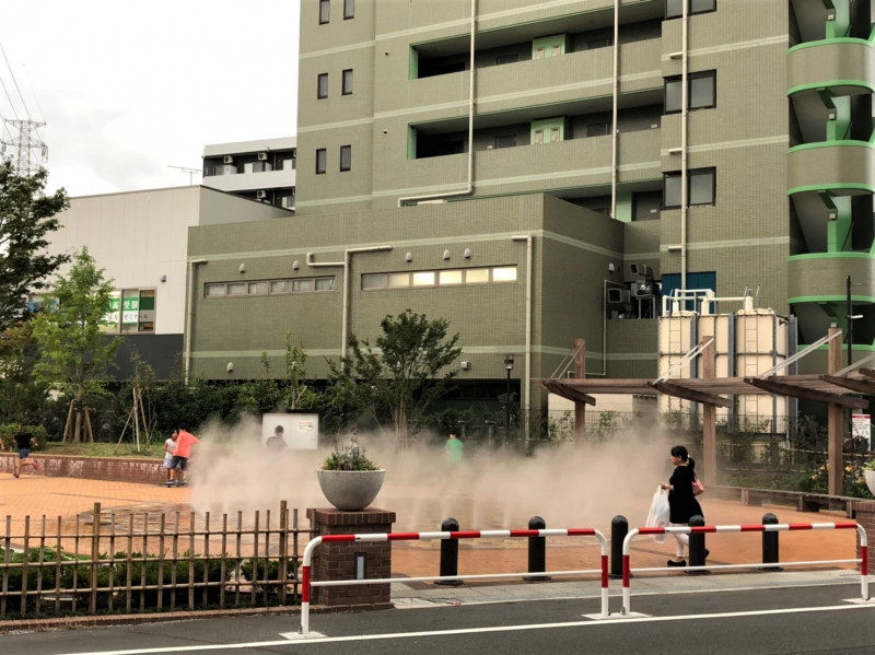 北戸田駅西口近くの噴水公園